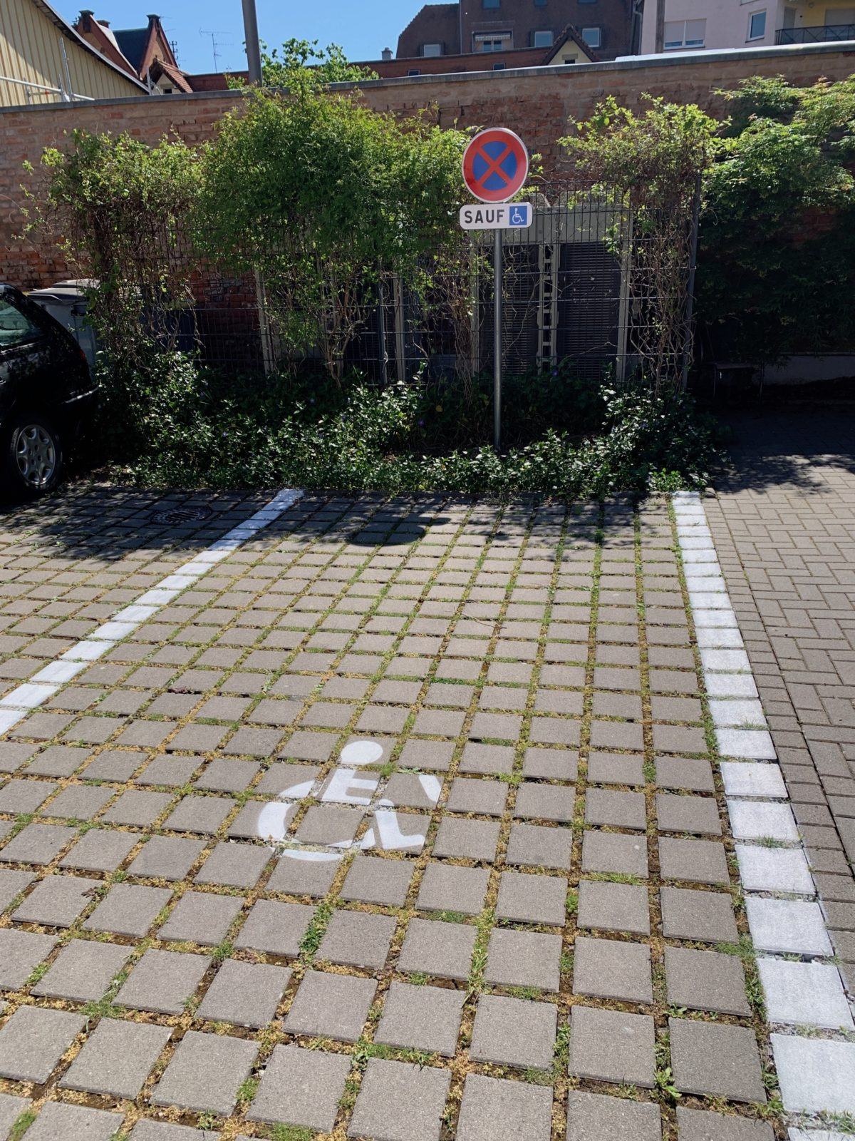 place-de-parking-PMR-1200x1600.jpg